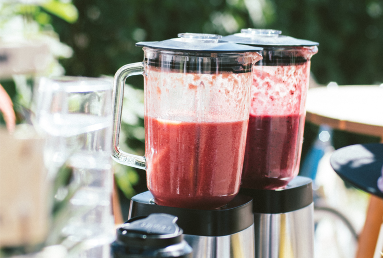 How to prepare smoothies for your business? 3 simple steps with Life Smoothies.